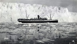 Tourist steamer at Columbia Glacier in 1935 - Photo by NOAA